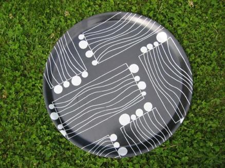 """laminerad träbricka med textiltryck i mönster """"strings"""", tinaax"""